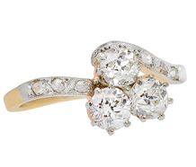 Diamond-Set Curvaceous Ring
