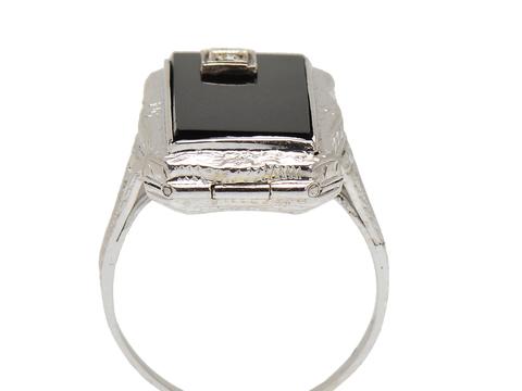 Secret Compartment - Onyx Filigree Ring