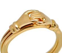 Fede Hands & Heart Gimmel Ring in 18k Gold