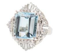Extravagant Estate Aquamarine Diamond Ring