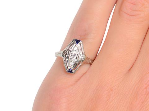 Art Deco Sublime - Diamond Sapphire Ring