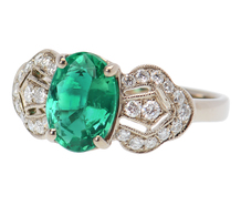 Artistic Ribbons – Emerald Diamond Ring