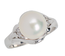 Diamonds & Pearl Classic Estate Ring