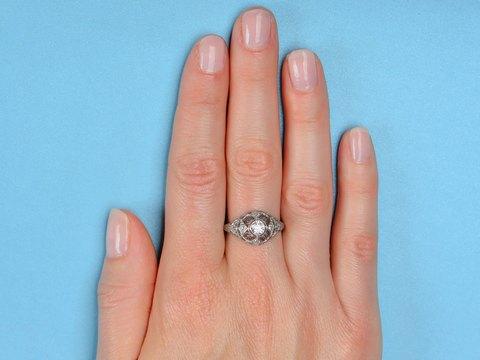 Antique Diamond Filigree Platinum Ring