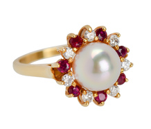 Glowing Nature - Pearl Ruby Diamond Ring