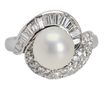 Vintage Baguette Diamond South Sea Pearl Ring