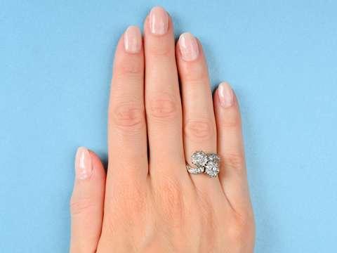 Antique Flower Themed Diamond Ring