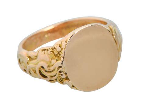 Art Nouveau Man's Unisex Signet Ring of 1904