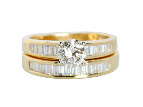 Vintage Diamond Wedding Set in Gold