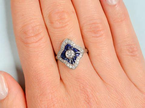 Elegant Diamond Sapphire Ring