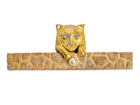 Dated 1884 Cat Motif Brooch in Gold