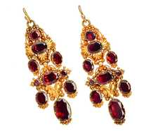 Georgian Garnet Dangle Earrings in Gold
