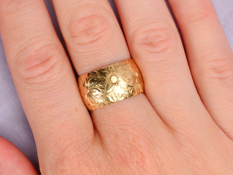 Floral Wide Wedding Band of Gold