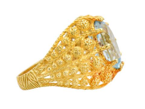Breath of Spring - Aquamarine 18k Gold Ring