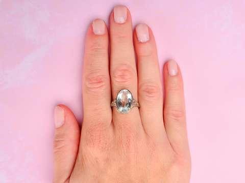 Rosebud - Vintage Oval Aquamarine Filigree Ring