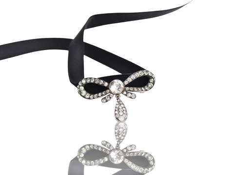Ribbons & Bows - French Paste Set Pendant Slide