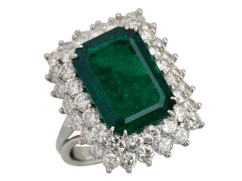 Emerald Vision - Diamond Cluster Ring