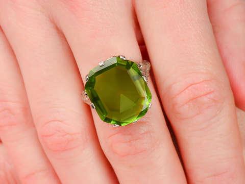 Edwardian Peridot Platinum Filigree Ring