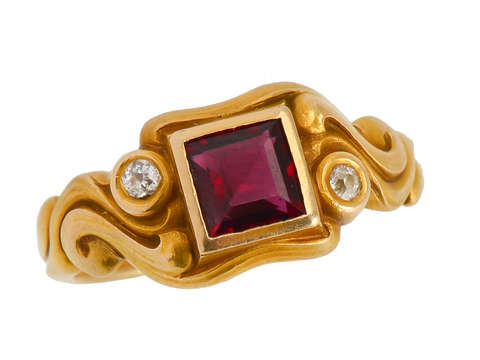 Larter Garnet Diamond Art Nouveau Ring