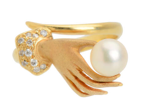 Hands On - Pearl Diamond Gold Ring
