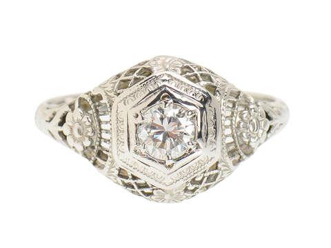 Vintage Flowered Filigree Art Deco Diamond Ring