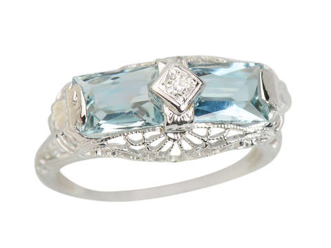 Art Deco East West Aquamarine Filigree Ring